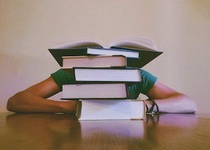 Is cramming the best way to study - photo of text books
