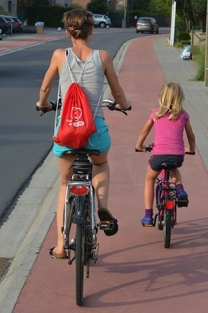 Where's the evidence that exercise will improve your memory - photo of mother and daughter cycling