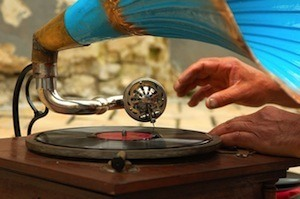 Increase your ability to delay gratification - photo of gramophone