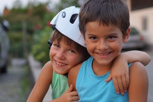 Positive psychology? Are you sure? Photo of 2 happy boys